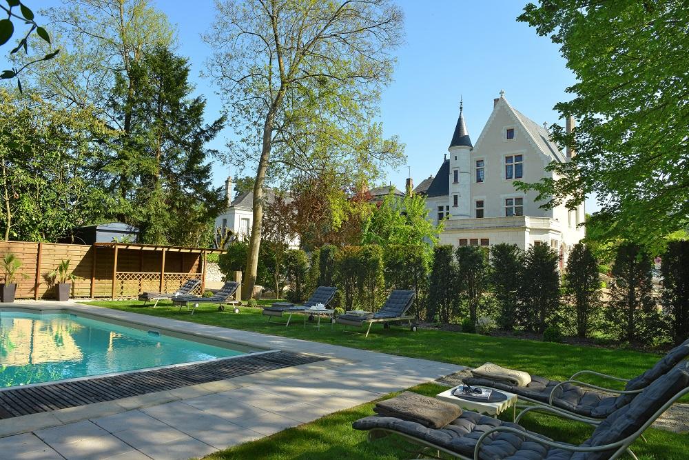 Hotel avec piscine amboise le manoir saint thomas for Camping amboise avec piscine